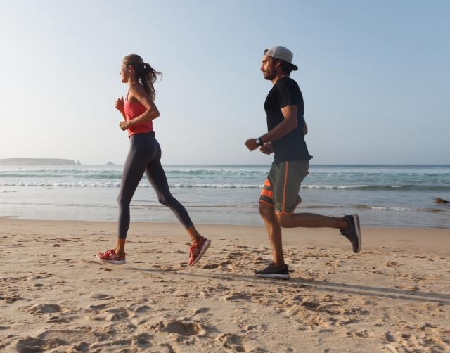 【解説】ダイエットやトレーニング時に詰まった感じのする難聴の症状